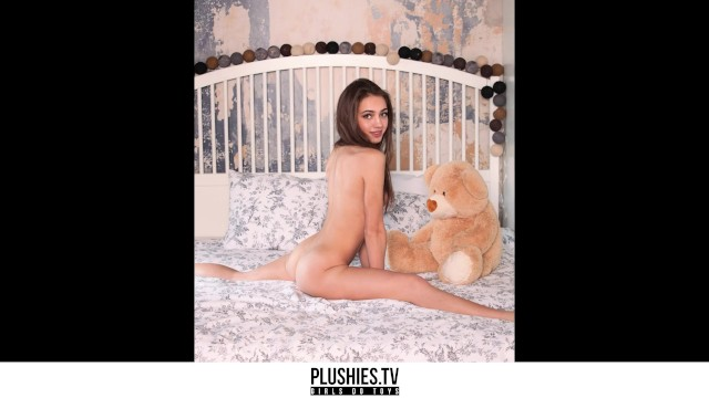 Grace slick nude photos Teen top model angely grace exclusive photo set for plushies.tv slideshow