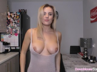 Stunning big boobs blonde babe oiling up her perfect tits