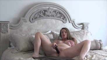 Beautiful Pregnant MILF Encouraging You To Cum With Her