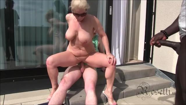 Maximum orgy Milf - gangbang mit hotelpersonal und fettem negerpimmel