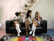 MILF enjoys threeway with lesbian teens homemade lesbian videos