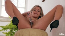 Twisty - Hot Czech babe Tracy toying her pussy alone on camera