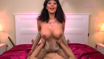 Pantyhose Queen 2