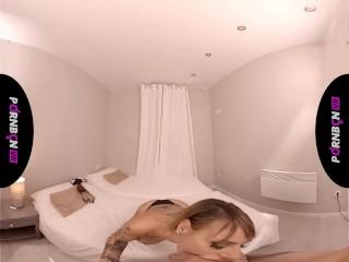 VR La madurita Gina Snake te hace una mamada mientras se fuma un cigarro
