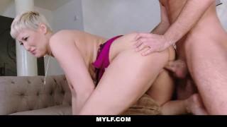 MYLF - Busty Matrigna si Scopa il Figliastro
