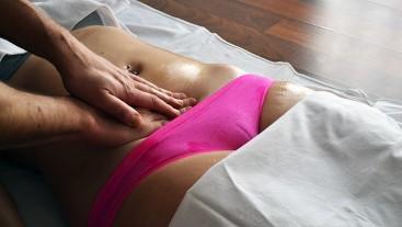 HOT TEEN Amateur Couple MASSAGE - Camel Toe in TIGHT Panties