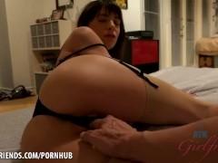Vera King wraps her asshole around your cock (POV Style)