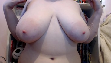 10 Minutes of me playing with my natural 40DDD - Miss Lofn
