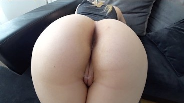 White girl with big ass loves when dick enters her pussy