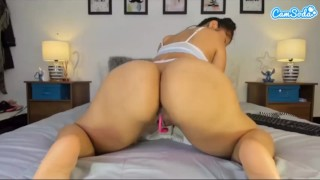 Camsoda girl Jessica twerking live with her big ass...