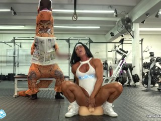 Camsoda – hot milf stepmom fucked by trex in real gym sex