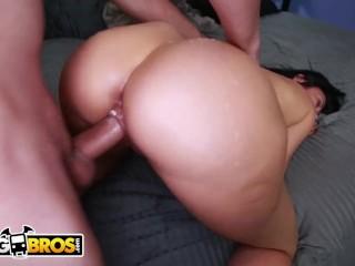 BANGBROS – MILF Sheila Marie Gets Her Wonderful Big Ass Banged