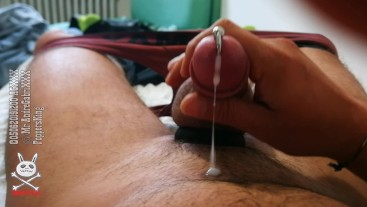 Fuck my afternoon riser. Need to jerk off
