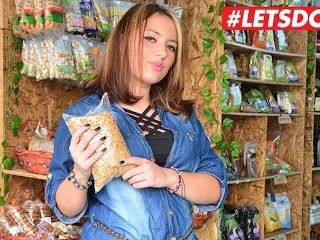 LETSDOEIT – Colombian Amateur BBW Picked Up In The Store Screams On a BBC