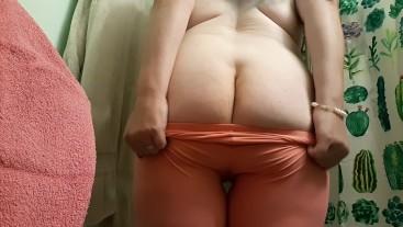 BBW secret masterbation - squirting orgasm in leggings