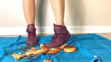 Sneaker Crush preview