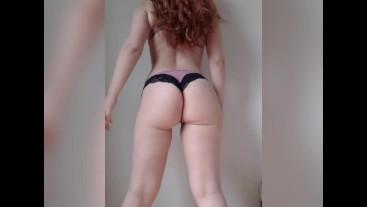 Redhead girl twerking fat ass