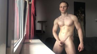 Chris Wild masturbates his big cock 19cm cock - 4K