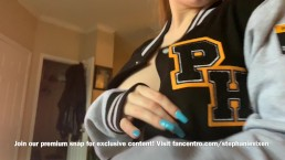 18 y/o Stephanie Vixen is back to show off her new PornHub Letterman