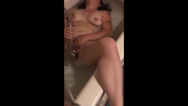 Pinky&Angel-Pinky Plays w/ Big Clit Pussy in the Bath- Showerhead on Clit!!