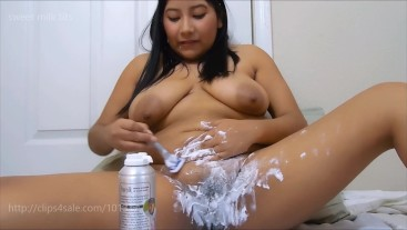 Mommy Shaving her Hairy Pussy FULL NUDE