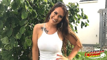 GERMAN SCOUT - MEGA Titten Teen Sarah Anal gefickt bei Strassen Casting