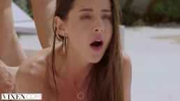 VIXEN Two Complete Strangers Have Incredible and Unexpected Sex