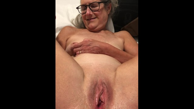 Grannies wide spread pussy Dildo play legs pussy spread wide 60 year old milf granny glasses
