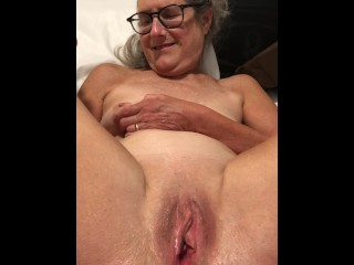 Milf Granny xxx: Dildo Play Legs Pussy Spread Wide 60 year old Milf Granny Glasses
