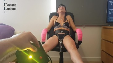 The Bean Button - Let's make her cum with the doxy remote control