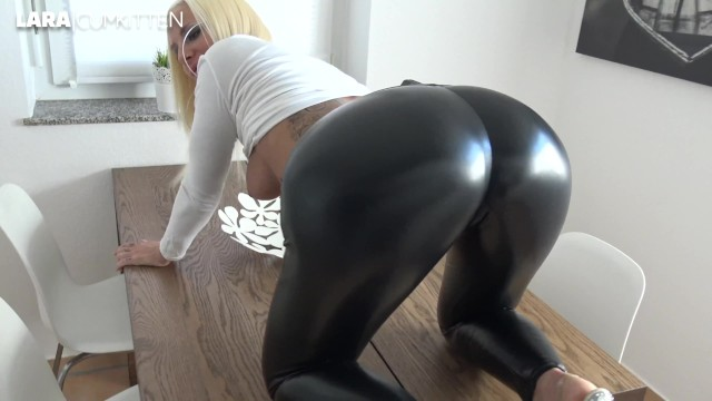 Milf rider lara - Wetlook leggings booty fuck cumwalk and leggingswalk