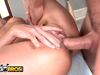 BANGBROS - Hot MILF Brandi Love Gets Massage & Dick From Johnny Castle