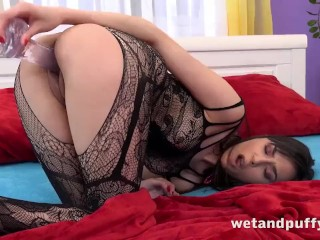 Teens First Orgasm Playing With Her Pussy