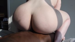 PAWG INSTAGRAM MODEL SQUIRTS TAKING BBC