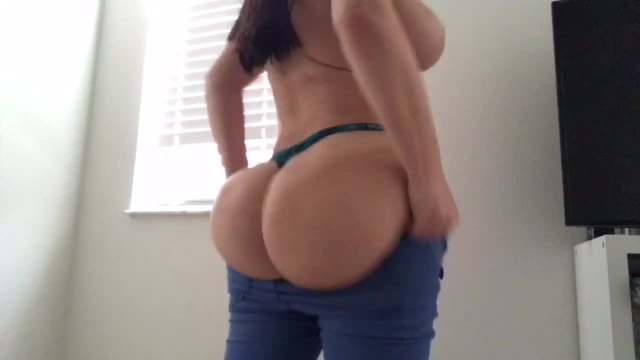 Big Booty PAWG Crystal Lust Jean Struggles and Face Sitting