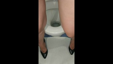 pissing in the toilet for daddy in high heels