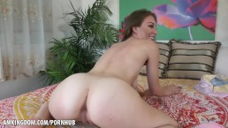 Jessie Wylde shows off tits and ass