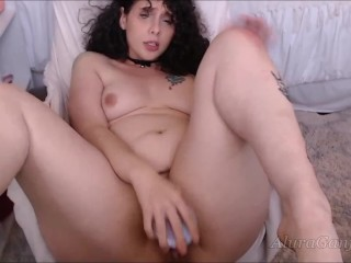 Dirty camgirl sucks toy and fucks tight pussy