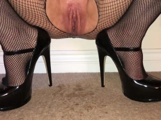 Princess Pussy Squirting while being Throat Fucked