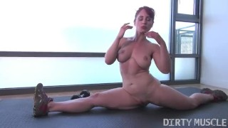 Clip Fit redhead shows masturbates while doing the splits then fucks herself