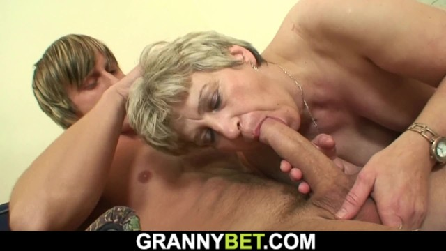 Grandma has a penis - Well hung stranger fucks old grandma on the couch