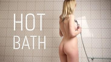 Creampie In Hot Bath