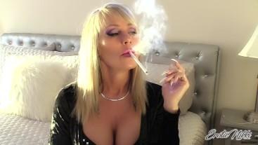 Long Talons MILF Smoking VS120 - Nikki Ashton -
