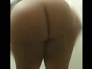 Bbw takes her panties off and twerks her huge jiggly ass