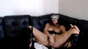 SEX TEMPTRESS demands worship before your cock can explode