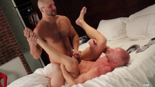 Mennetwork - Hairy chest hunk gets a quickie from his buff buddy