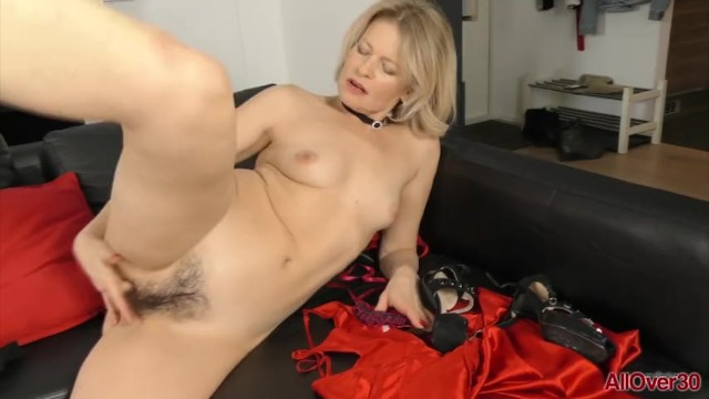 All over 30 redhead hairy Mature masked blonde milf diana v rubs her hairy pussy