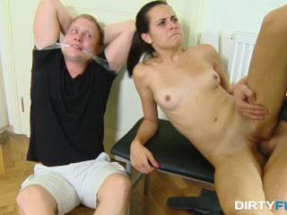 Alice Mcmunn Double Fucked, Incest Games Online Scene