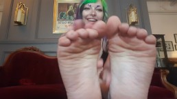 Cute emo girl laughs as she shows off her dirty feet, goth girl femdom
