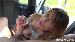 Offentlig blowjob i bilen - Amatør par MadeInCanarias